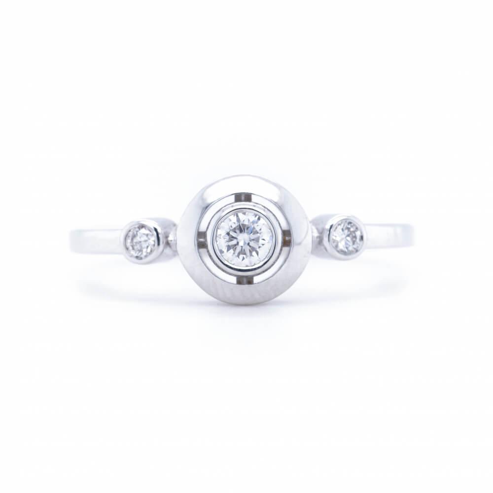 Zlatý prsten LUX