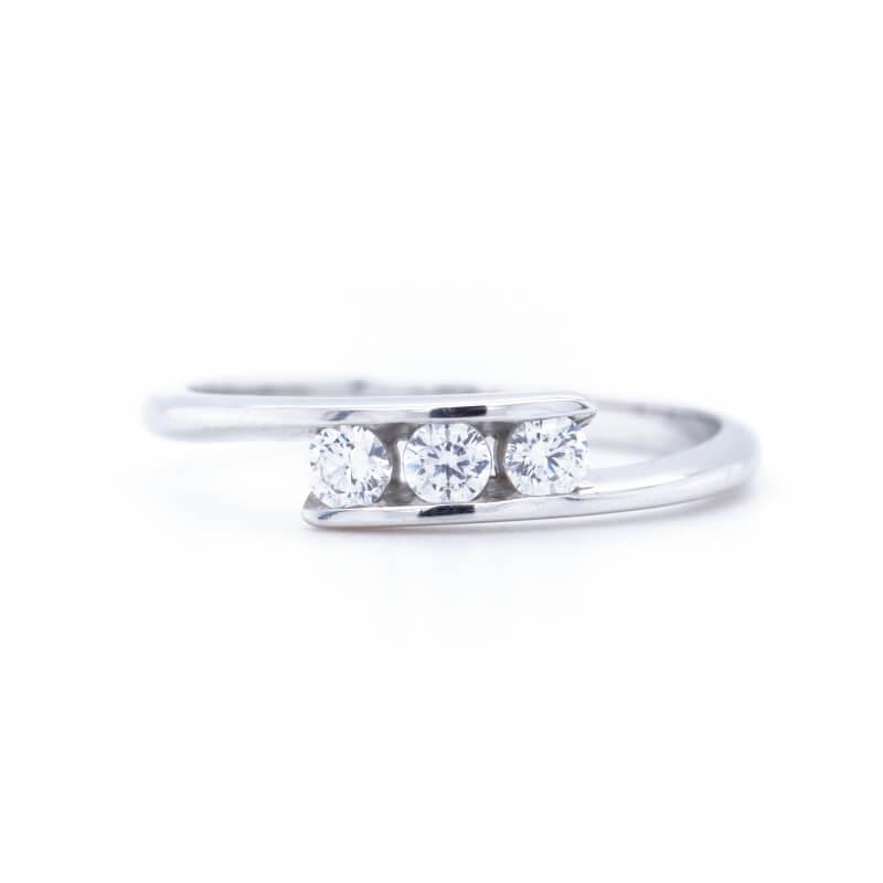 Zlatý prsten TRIPLET B